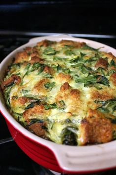 Stratta de espinacas Yummy Vegetable Recipes, Spinach Recipes, Chicken Salad Recipes, Vegetarian Recipes, Healthy Recipes, Kitchen Recipes, Cooking Recipes, Quiche, Turnip Greens