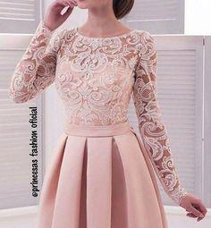Delicadeza . . . . #princesafashionoficial #lookdodia #modafemenina #modaevangelica #crentechic #trend #moda#moda #crentecomcharme #dressfesta #blog#saia #saiamidifloral #lookinspiração#dress #saiamidi#foolow #trend#vestidodefesta#modafemenina #ccb#lookinspiração#vestido #vestidodefesta #trend