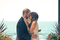 First kiss at Liuna Gardens in Stoney Creek, Ontario. Photo by www.newvintagemedia.ca