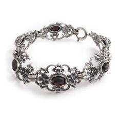 Deze schitterende zilveren Jugendstil armband vind je bij Aurora Patina. Bekijk al onze vintage en antieke sieraden.