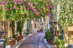 El peculiar barrio de Plaka, #Atenas. Tu viaje perfecto a #Grecia desde 695€ en www.vacazionaviajes.com