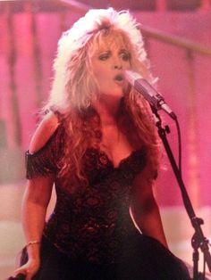 Beautiful picture of Stevie Lindsey Buckingham, Buckingham Nicks, Stevie Nicks Pictures, Stephanie Lynn, Stevie Nicks Fleetwood Mac, Women Of Rock, Look Vintage, Her Music, Her Style
