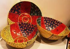 Papier-Mache bowls by Children's Art Students in Jacmel, Haiti Paper Mache Bowls, Paper Bowls, Paper Mache Sculpture, Sculptures, Paper Mache Projects, Paper Mache Crafts, Making Paper Mache, Paper Mache Animals, Bowl Designs