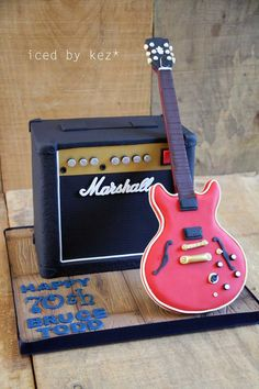 Pettinice | How to make a guitar amplifier cake