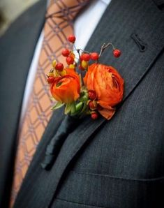 orange boutonniere and gray suite. Would complement my deep purple color theme. Purple Wedding, Trendy Wedding, Floral Wedding, Perfect Wedding, Wedding Colors, Wedding Flowers, Fall Groomsmen Attire, Groom And Groomsmen, Orange Boutonniere