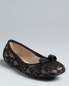 Pair these black lace flats with a matching sash! Great for a black tie affair. (Salvatore Ferragamo Ballet Flats - My Belle)