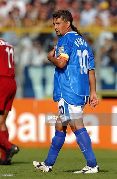 Roberto Baggio of Brescia Calcio looks on during the Serie A round league match played between Brescia Calcio and AS Roma at Mario Rigamonti stadium, Brescia. Roberto Baggio, As Roma, Soccer Players, Worlds Of Fun, The 4, Mario, That Look, Passion, Sport