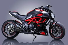 Doesn't look altered to me but what's up with picture you can see through the bike between the cylinders. Concept Motorcycles, Cars And Motorcycles, My Dream Car, Dream Cars, Crotch Rockets, Ducati Diavel, Motorbikes, Boss, Vehicles