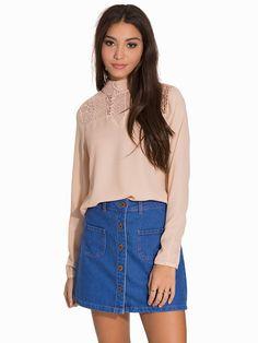 Blusa color rosa palo de encaje
