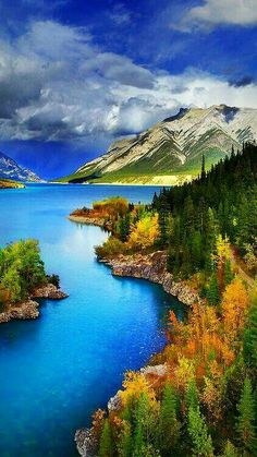 Abraham Lake, North Saskatchewan River - Alberta, Canada