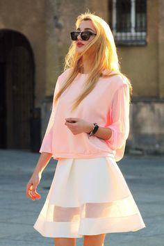 Bluza z tiulowymi rękawami rozmiar 38 Pudrowy róż - Cranberrysklep - Bluzy