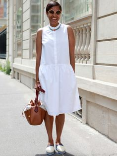 Slideshow: Street Style From the Haute Couture Shows - Tamu McPherson, Haute Couture Shows. Best Picture For outfits hombre For Your Taste You are looki - White Fashion, Trendy Fashion, Womens Fashion, Fashion Trends, Fashion Fashion, Little White Dresses, White Outfits, White Casual, Casual Chic