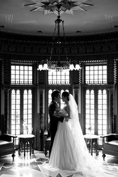 小笠原伯爵邸にて結婚式 オシャレで素敵な花嫁様。 Cottie Louのウェディングドレスで・・・