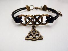 Clexa, Clarke and Lexa, Heda and Wanheda, double infinity triquetra skaikru leather bracelet