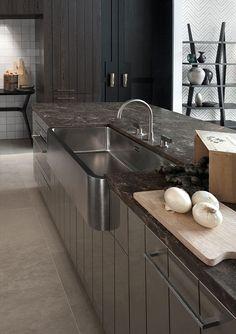 Crosby Kitchen Kate Hume for Vonder worktop with custom sink Kitchen Sync, Kitchen Time, Kitchen Dining, Black Kitchens, Cool Kitchens, Cuisines Design, Kitchen Interior, Living Room Designs, Furniture Design