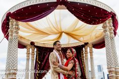 Sindhi & Punjabi Wedding by PhotosMadeEz in Hyatt Jersey City, NJ with Elegant Affairs Inc., SV Bridal Concepts, Sanjana Vaswani, Moghul Catering, Sweetpea planners Featured in Maharani Weddings. Best Wedding Photographer PhotosMadeEz, Award winning photographer Mou Mukherjee