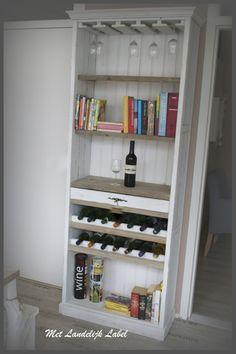Landelijke wijnkast, ambachtelijk gemaakt. Te koop bij: WWW.METLANDELIJKLABEL.NL (webwinkel en showroom vol unieke oude brocante en landelijke meubels)