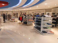 Mostaza Design | Dufry | Brasilia | Duty-free shop | #retaildesign #mostazadesign #dufry #interiordesign #interiors #retail #dutyfree #travelretail #fashion