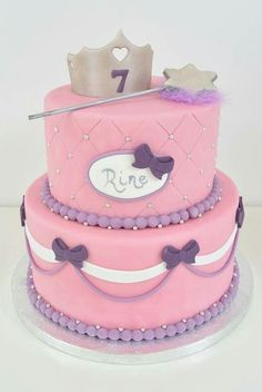 Gevonden op nl.pinterest.com via Google Girls 3rd Birthday, Bday Girl, Birthday Cake, Baking Tips, Baking Recipes, Sofia Party, Creative Cakes, Cupcakes, Cake Decorating