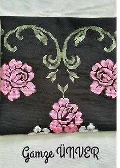 etamin-seccade-isleme-ornegi-aciklamali-1 Cross Stitch Borders, Cross Stitch Designs, Cross Stitch Patterns, Teapot Cover, Yarn Shop, Bargello, Easy Crochet Patterns, Deco, Vintage Patterns