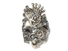Sterling Silver Crowned Beauty Ring – Yourgreatfinds ***ALSO SEE Vintage Jewelry at: http://MyClassicJewelry.com/shop