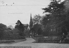 Enfield, The Gardens, Chase Side - Francis Frith Enfield Town, Vintage London, North London, Back In The Day, Historical Photos, London England, Childhood, Gardens, Book