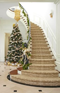 Festive Holiday Staircases and Entryways