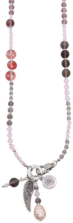 Material:  Lange Kette, bestehend aus vielen Perlen aus Agate-Steinen und…