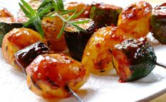 Sweet Onion And Rosemary Courgette Skewers - a great warm-up snack for your festive braai! Braai Recipes, Vegetarian Recipes Dinner, Vegetable Recipes, Dinner Recipes, South African Recipes, Ethnic Recipes, What Is For Dinner, Savory Snacks, Fruit And Veg