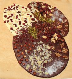 Schokoplatte - wie man aus einfacher Schokolade und ein paar Zutaten ein schönes Geschenk machen kann.