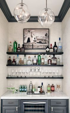 65 Best and Cool Home Bar Design Confused to make a bar room? On the topic of design for our favorite home is to discuss the design of the bar room that will be in our home. Home Wet Bar, Diy Home Bar, Home Bar Decor, In Home Bar Ideas, Mini Bar At Home, Modern Bars For Home, Small Home Bars, House Ideas, Indoor Bar