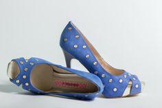 Azul KLEIN. .