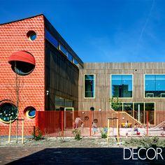 Localizada na capital da Holanda, a escola IKC Zeven Zeeën apresenta uma arquitetura diferenciada assinada pelo arquiteto Gianni Cito, do Moke Architecten.