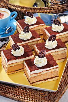 Die cremigen Sahneschnitten sind mindestens so gut wie von der Konditorei um die Ecke. So gelingt der himmlische Blechkuchen. #backen #kuchen