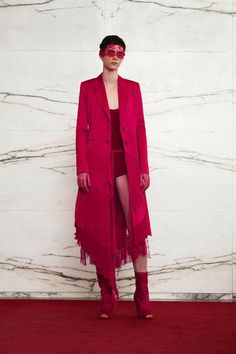 See the full Resort 2018 collection from Givenchy.