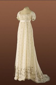 #Embroidered #Dress #Gown #Victorian #Clothes