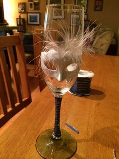 Custom made wine glass for cheers. Masquerade Decorations, Mardi Gras Decorations, Masquerade Wedding, Masquerade Theme, Deco Nouvel An, Decoration St Valentin, Wine Bottle Centerpieces, Candle Centerpieces, Wedding Centerpieces
