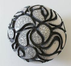 Ceramic sphere  Raku ceramic  sphere  home decor   di MISAKIRAKU, €500.00