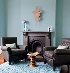 Real teal appeal: From the catwalk to your home, the fashionista's choice for autumn Living Room Themes, Living Room Color Schemes, Paint Colors For Living Room, New Living Room, Colour Schemes, Brown Leather Sofa Living Room, Brown And Cream Living Room, Brown Sofa, Interior Design Living Room