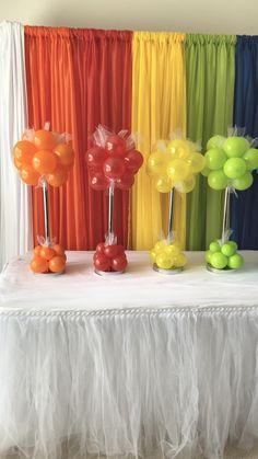 Halloween Party Snacks, Halloween Games For Kids, Halloween Diy, Backdrop Decorations, Balloon Decorations, Birthday Party Decorations, Backdrops, Balloon Topiary, Balloon Columns