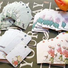 etiquetas de flores para un empaquetado perfecto y con estilo.. Pedidos y catálogo: detallisime@yahoo.es