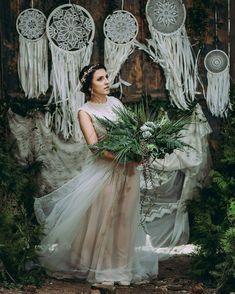 boho ślub, boho wedding, beho bukiet ślubny, greener Crochet Dreamcatcher, Girls Dresses, Flower Girl Dresses, Dream Catcher Boho, Dream Decor, Wedding Dresses, Model, Flowers, Instagram