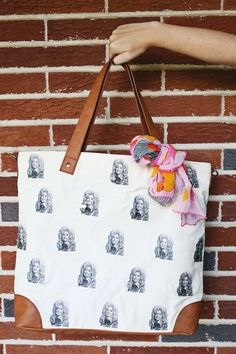 Working with our friends at #Canon to make this cute Dolly Parton bag!