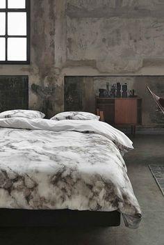 #dekbed #marmerprint #marmer #interieur #slapen #robuust #vintage #dekbedovertrek #wehkamp #trend