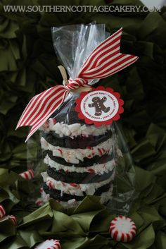 Whoopie Pie Stack - Use cake mix oreo recipe and roll in crushed peppermint for Christmas, Sprinkles for other holidays - use variations of cax mixes and fillings!  Cute idea!!!