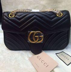 ed7bbd1f1 14 melhores imagens de Bolsas Replicas | Louis vuitton pouch, Chanel ...
