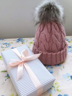 Tupsupipo - helppo neuleohje Knitting Projects, Knitting Patterns, Knit Crochet, Crochet Hats, Christmas Aesthetic, Knitted Hats, Diy And Crafts, Winter Hats, Beanie
