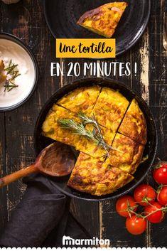 Retrouvez la recette de Marmiton pour réussir à coup sûr votre recette de tortilla maison aux lardons  - vu dans « Qu'est-ce-qu'on mange ce soir », la mini-web série Marmiton animée par Yoni Saada ! #recettemarmiton #marmiton #recette #recettefacile #recetterapide #faitmaison #cuisine #ideesrecettes #inspiration #astucescuisine #astuces #conseils #dîner #QQMCS #yonisaada #tortilla 20 Minutes, Omelettes, Tortillas, Quiche, Food And Drink, Vegan, Cooking, Ethnic Recipes, Apple
