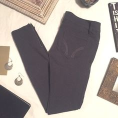 • c h a r c o a l >< j e g g i n g s • Hollister leggings are a charcoal colored and offer the perfect amount of stretch. Bottom of leg area features a zipper on each outside part of leggings. In excellent condition. Hollister Jeans