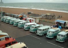 I think teal is a popular color #volkswagen bus #vwbus | pinned by www.wfpcc.com